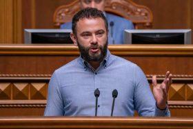 Нардеп від «Слуги народу» публічно погрожує журналісту, який розслідував його діяльність (фото)