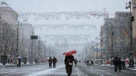 Зима в Киеве устроит прощальный уикенд с похолоданием, ветром и мокрым снегом