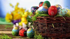 Как покрасить яйца на Пасху: шесть необычных и легких способов