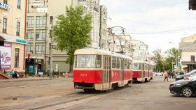 В Киеве остановили работу двух трамвайных маршрутов: подробности